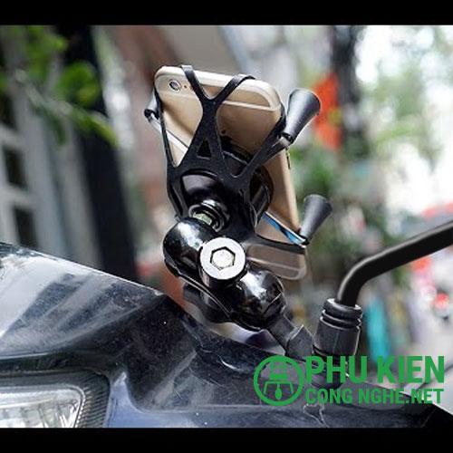 Tiện dụng với giá đỡ điện thoại gắn xe máy